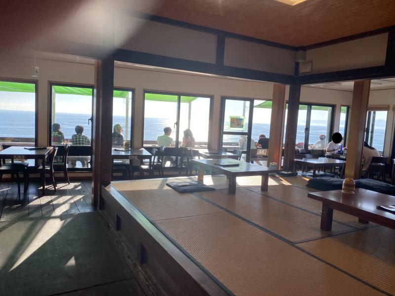⑮海が見えるカフェ的なところ