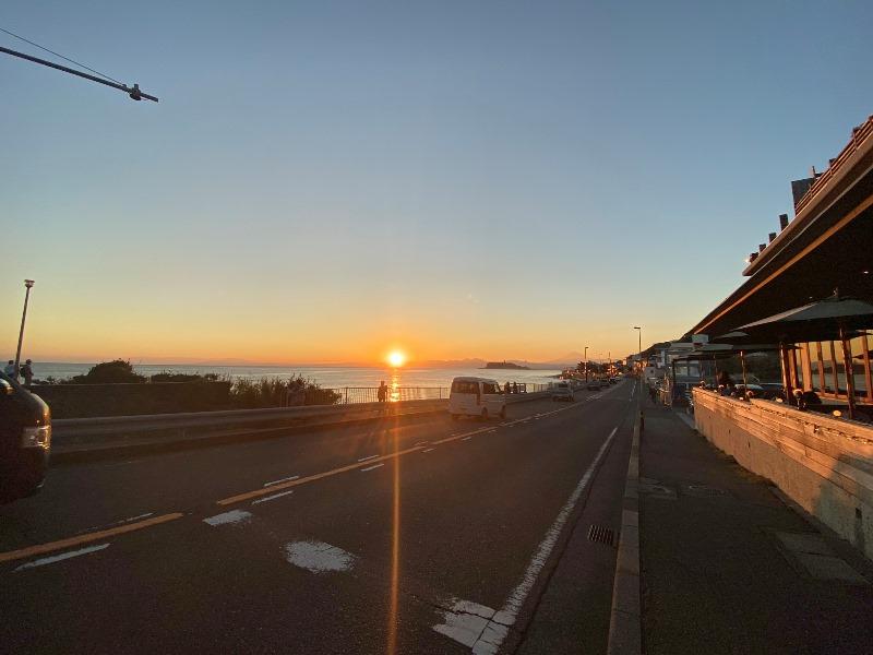 115_太陽が湘南の海に沈んでいくのを温泉から眺める